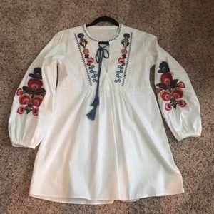 Embroidered white lantern sleeve dress/tunic